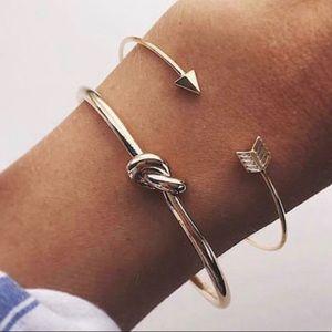 Gold arrow and knot 2 piece set